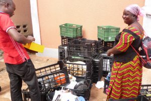Mehr Kisten für Ouagadougou