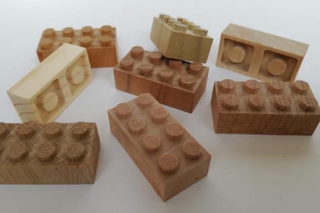 Bausteine aus Holz